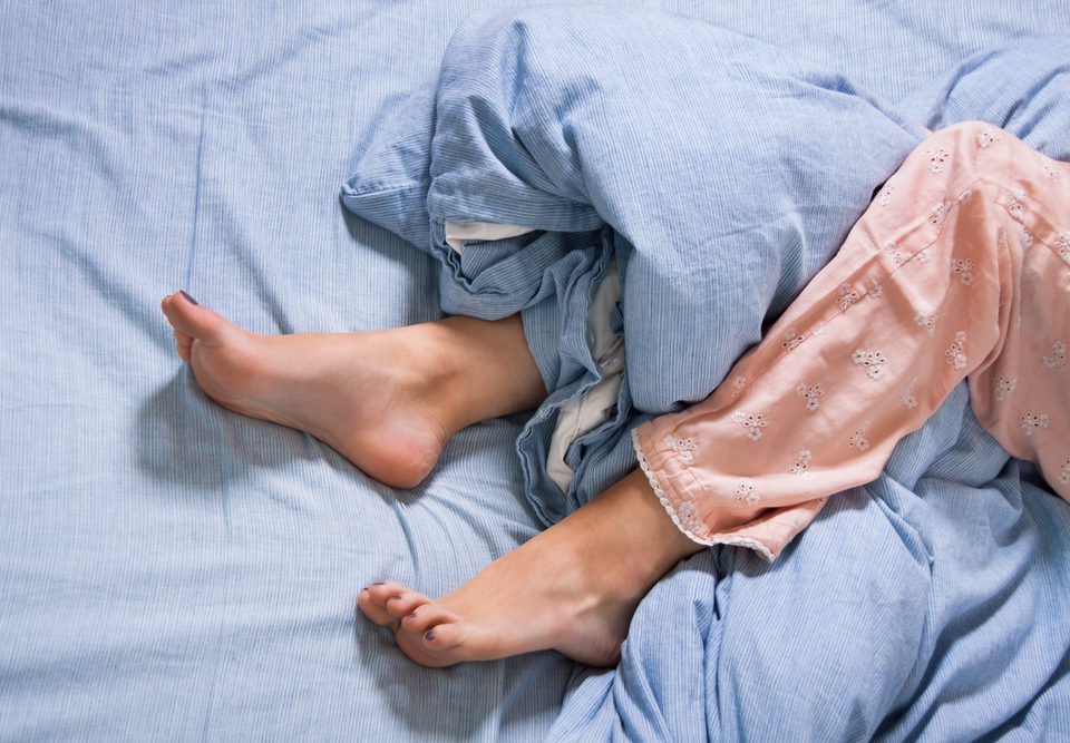4 Signs of Restless Legs Syndrome